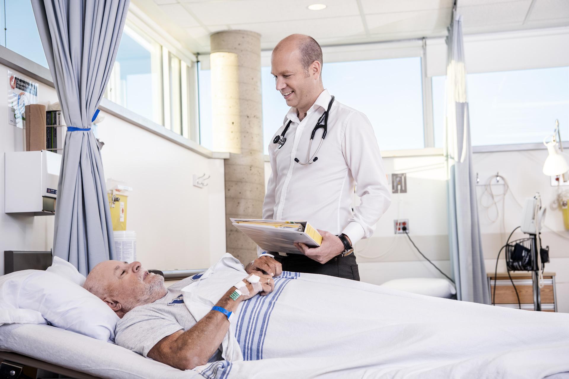 Dr. Jean-Philippe Lafrance - Néphrologue au Centre de recherche de l'Hôpital Maisonneuve-Rosemont Professeur agrégé, Département de pharmacologie et physiologie Université de Montréal